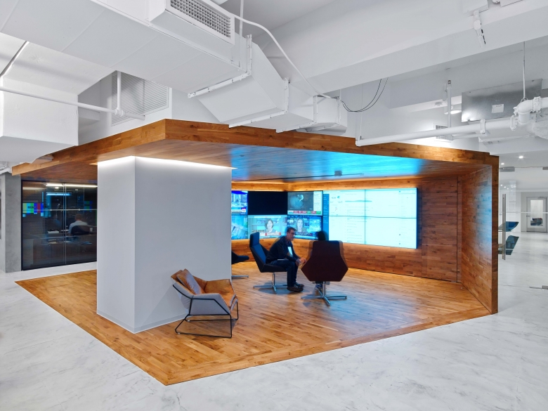 Linkedin new york office Hulu For The Past Several Years Alfatech Has Provided Services For Many Of Their Offices Worldwide At Linkedins New York Alfatech Linkedin New York Alfatech